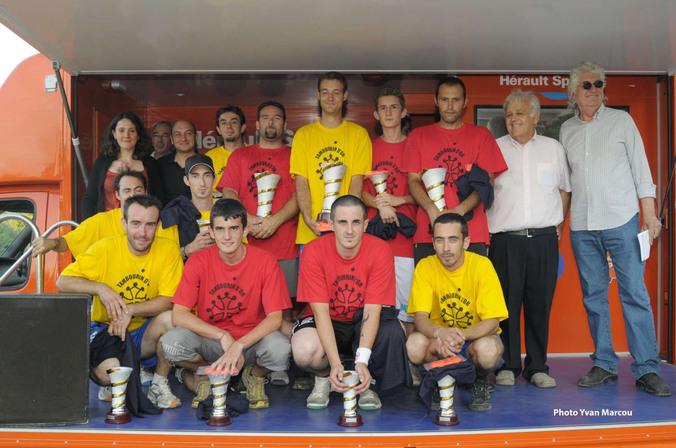 Les équipes du 24° tambourin d'Or sur le podium
