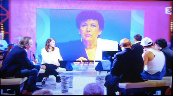 Roselyne Bachelot - photo Yvan marcou - présentée sur le plateau de l'émission