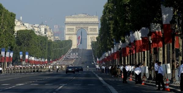 L'avenue des Champs-Élysées. photo Yvan Marcou