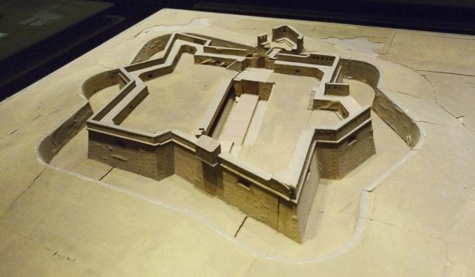 Fort des Pometz - fortification bastionnée - photo Yvan Marcou