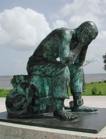 Statue de Bertrand Piéchaud -la peine du bagnard.