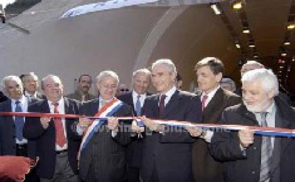 Gilles DE ROBIEN et Frédéric de SAINT SERNIN dans l'Hérault sur l'A75 le mardi 15 mars 2005.